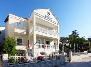 Hotel Philoxenia Inn main image