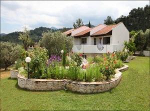 Castello Villa main image
