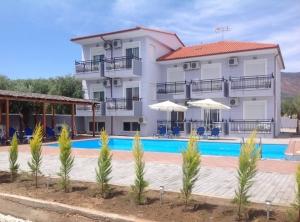 Villa Platanos main image