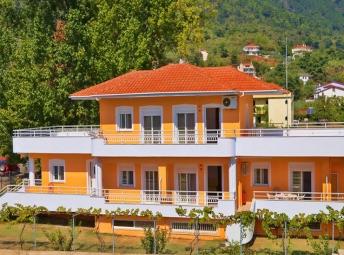 Hatzigiorgi Apartments